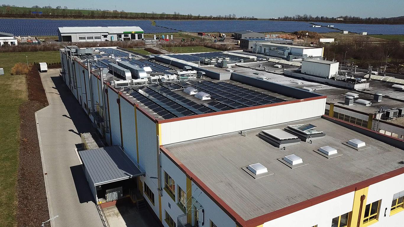 WiSOLAR-Referenz-Lohner's-PV-Anlage-Dach-2-außen