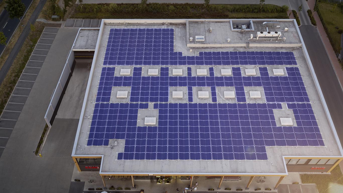 WiSOLAR-Referenz-REWE-Langelfeld-außen-Luftaufnahme-Anlage-PV